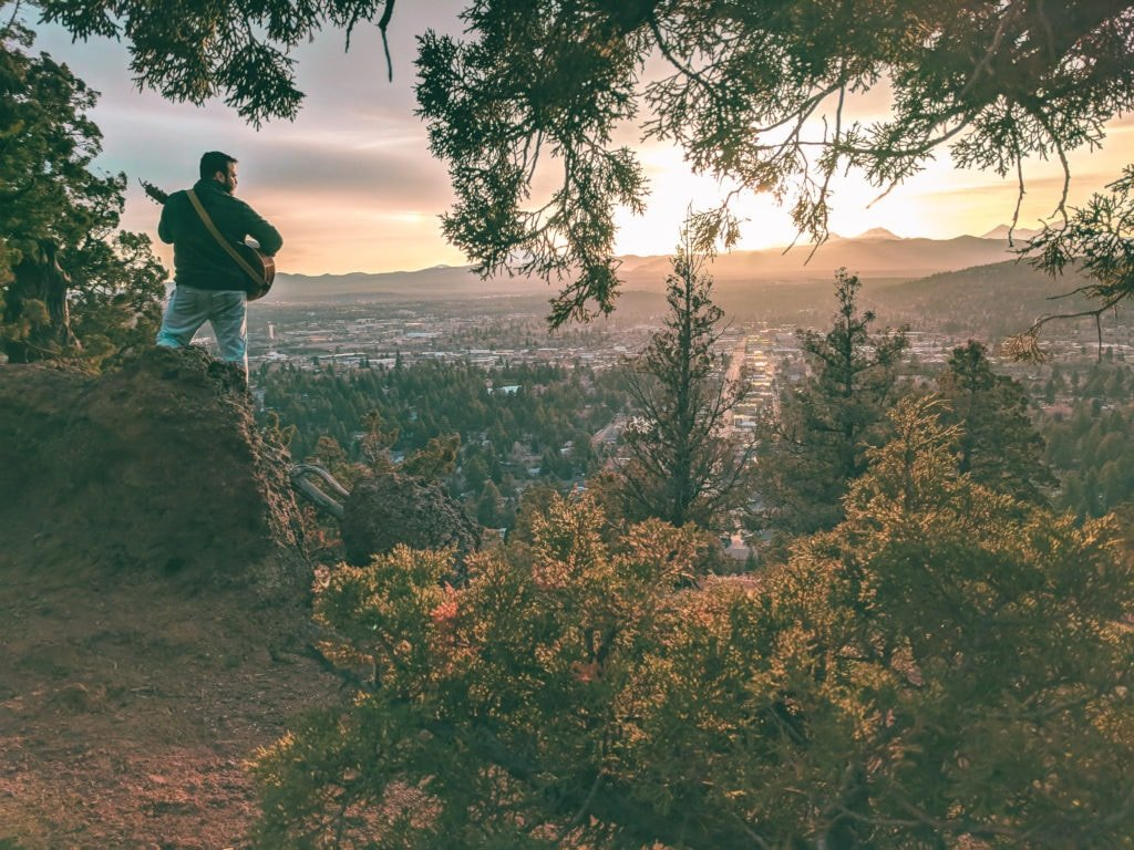 The sunset on top of Pilot Butte. An easy and accessible hike in Bend, Oregon.