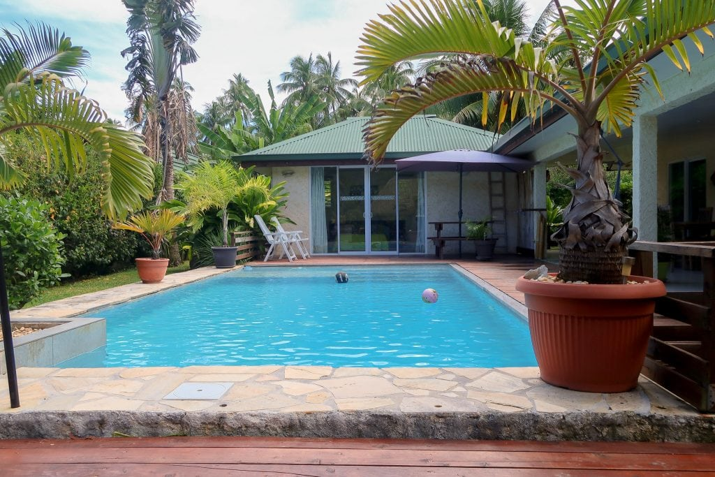 A French Polynesian House With Private Bungalow And Pool
